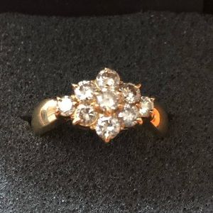 Jewelry - 18k Gold Ring with Diamonds
